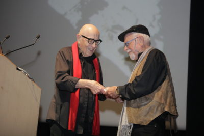 חתן פרס ישראל יעקב יער, מעניק פרס מפעל חיים לאדריכל נוף צבי דקל